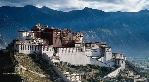 Tibetská vlajka na veselské radnici